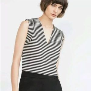 ZARA V CROP TOP